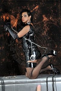 mistress trans madame fox firenze foto 5