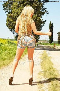 escort lilian hot latina foto 4